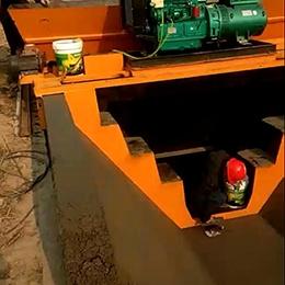 江苏3米宽大型水渠滑模机视频案例