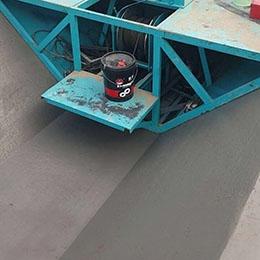 梯形牵引型水渠滑模机 便宜的水沟成型机