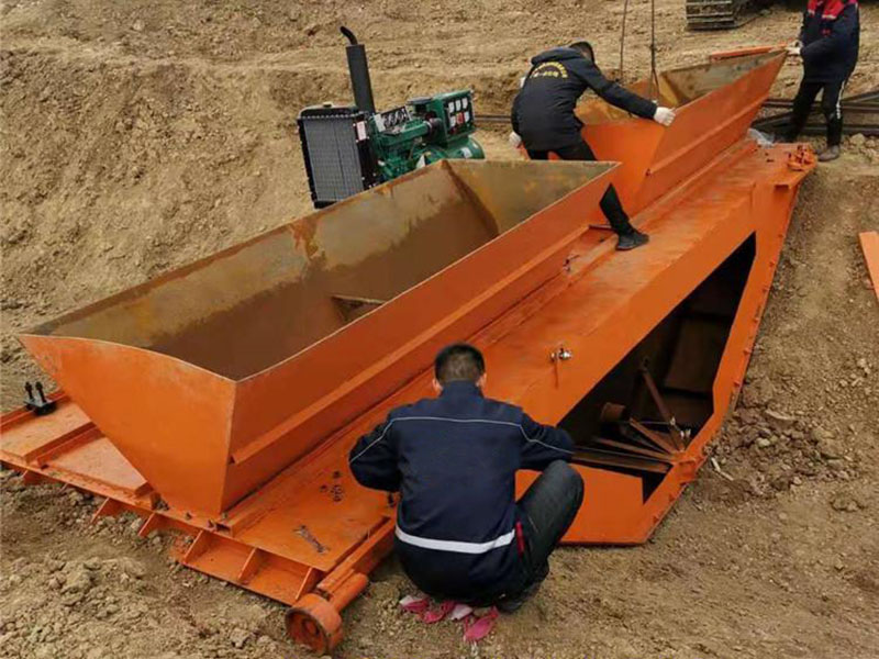 组装水渠滑模机
